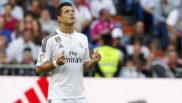 Chicharito, rezando antes de un partido con el Real Madrid /