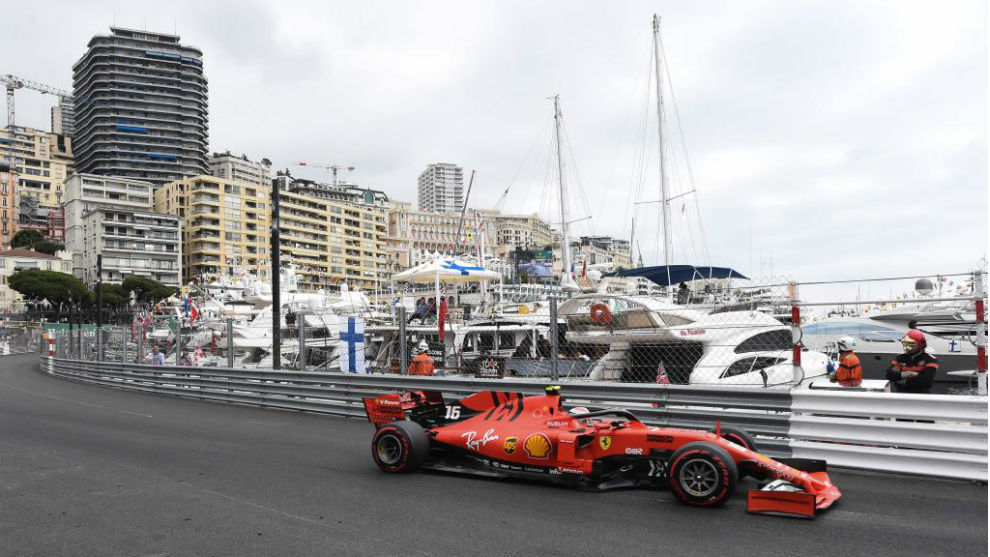 Leclerc, en la zona del puerto.