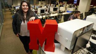 Laura Beltrán, alumna de la VI edición del Máster MARCA, posa en la...
