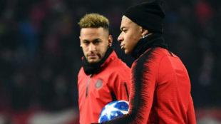 Mbappé y Neymar, antes de un partido de Champions.