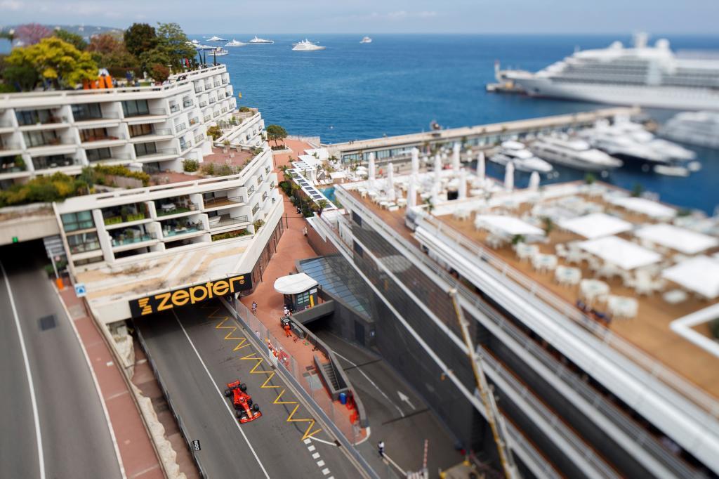 VXH17. MONTECARLO (MÓNACO), 23/05/2019.- El piloto alemán de Fórmula Uno Sebastian <HIT>Vettel</HIT>, de la escudería Ferrari, participa en la segunda sesión de entrenamientos libres para el Gran Premio de Fórmula Uno de Mónaco, en el circuito urbano de Montecarlo, este jueves. La carrera se disputará el próximo 26 de mayo. EFE/VALDRIN XHEMAJ