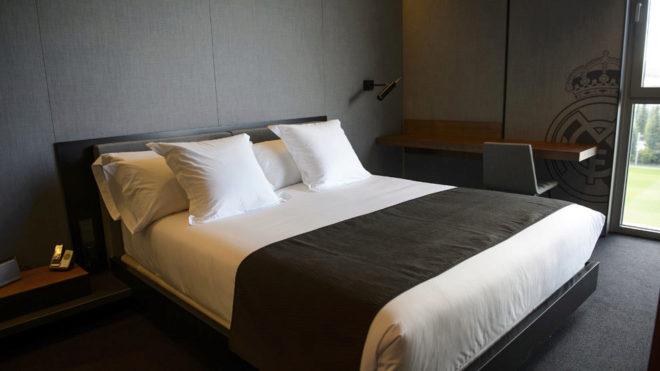 Imagen de una de las habitaciones de la residencia del Madrid  en Valdebebas.