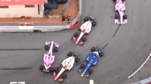 Momento del incidente entre Mick Schumacher y Tatiana Calderón en el...