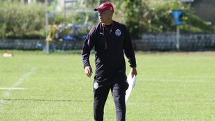 Luis Díaz dejó de ser técnico de Chivas femenil