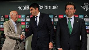 Serra, Haro y Catalán