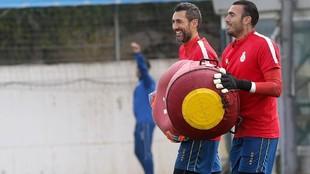 Diego López y Roberto, en un entrenamiento.