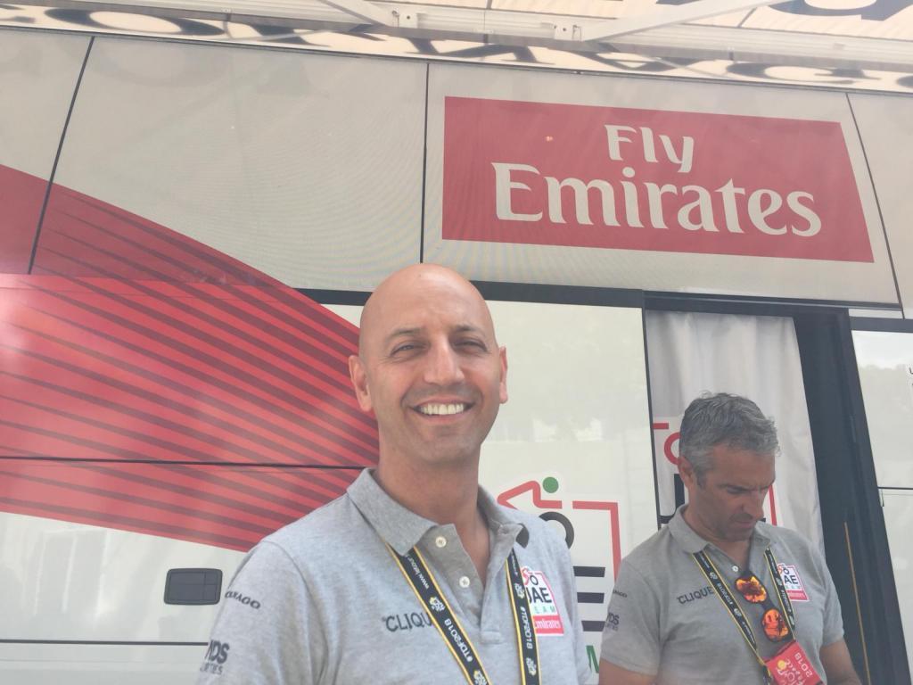 Josean Fernández, <HIT>Matxin</HIT>, director del UAE Emirates en la salida de la 15ª etapa del Tour 2018 en Carcasona