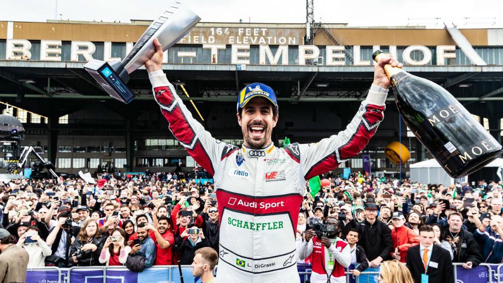 Lucas di Grassi celebra su victoria.