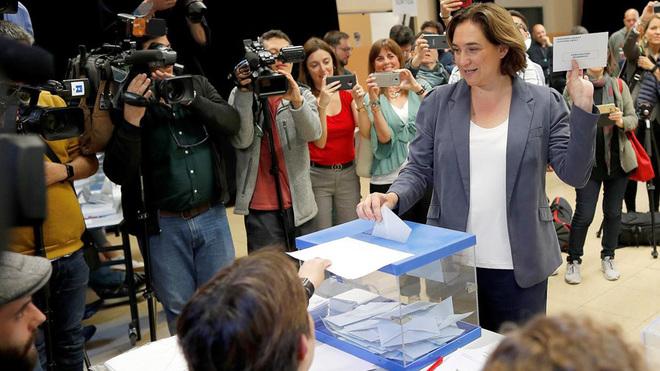 Ada Colau ganaría las elecciones en Barcelona