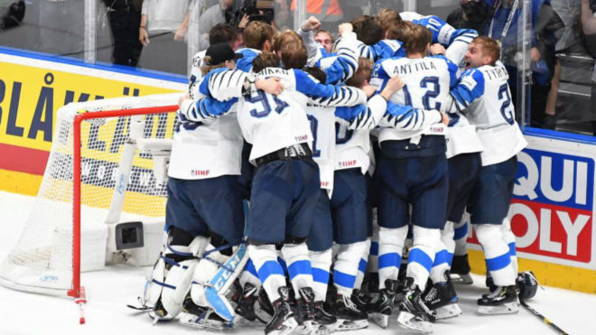 Finlandia celebra el título mundial
