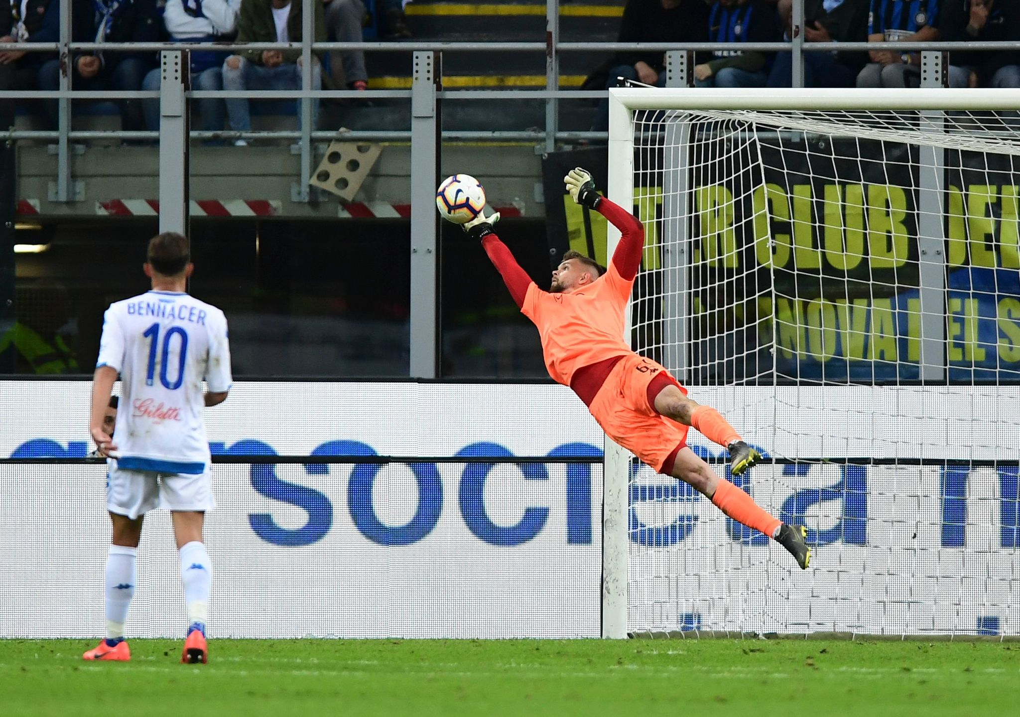 <HIT>Empoli</HIT>s goalkeeper Bartlomiej Dragowski stretches to stop the ball during the Italian Serie A football match Inter Milan vs <HIT>Empoli</HIT> on May 26, 2019 at the San Siro stadium in Milan. (Photo by Miguel MEDINA / AFP)