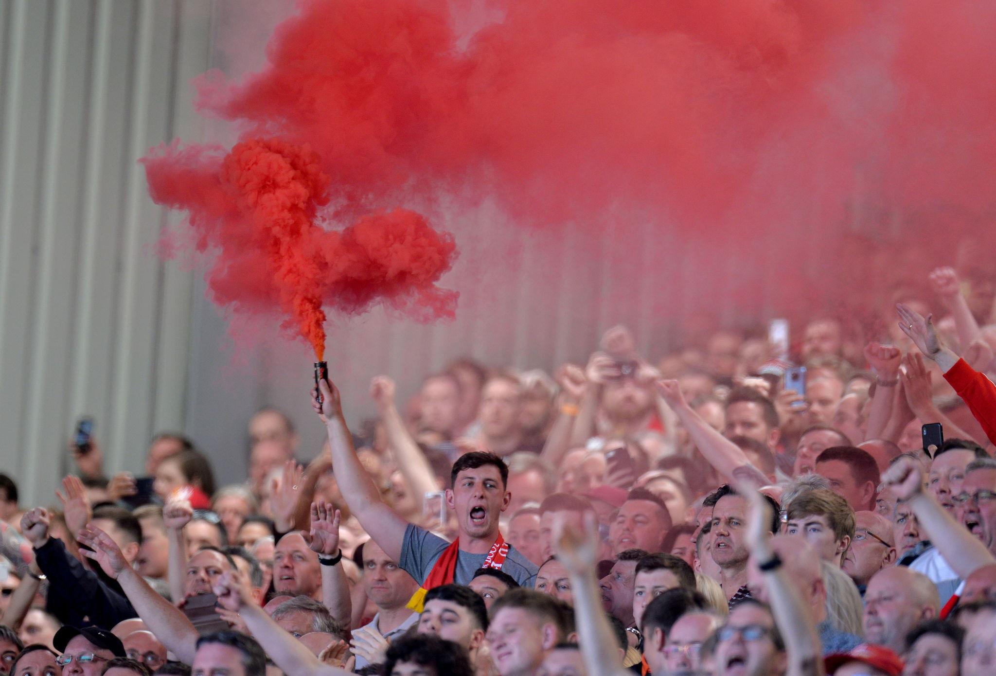 PP14. <HIT>Liverpool</HIT> (United Kingdom), 12/05/2019.- <HIT>Liverpool</HIT>s <HIT>fans</HIT> cheer for their team after the English Premier League match between <HIT>Liverpool</HIT> FC and Wolverhampton Wanderers FC at Anfield, <HIT>Liverpool</HIT>, Britain, 12 May 2019. (Reino Unido) EFE/EPA/PETER POWELL EDITORIAL USE ONLY. No use with unauthorized audio, video, data, fixture lists, club/league logos or live services. Online in-match use limited to 120 images, no video emulation. No use in betting, games or single club/league/player publications