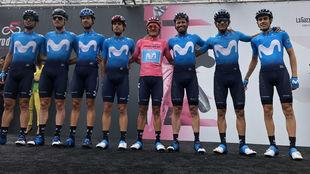El Movistar Team del Giro, el domingo pasado en Ivrea, antes de la...