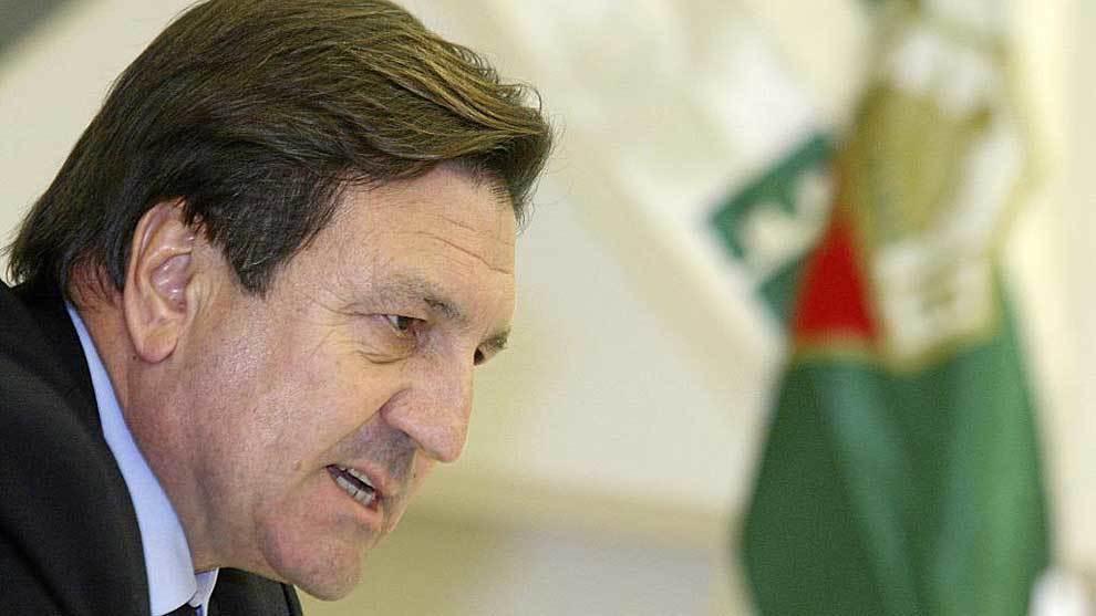 José Sepulcre, durante una rueda de prensa cuando era presidente del...