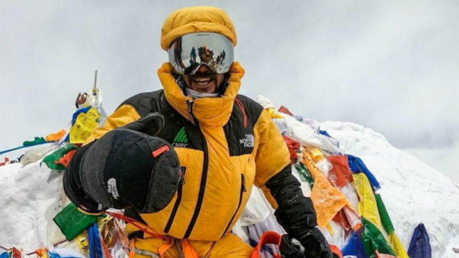 Juan Pablo Mohr, alpinista de North Face, en la cumbre del Everest
