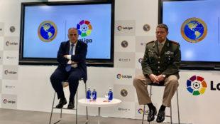 El presidente de LaLiga, Javier Tebas, junto al de Ameripol.