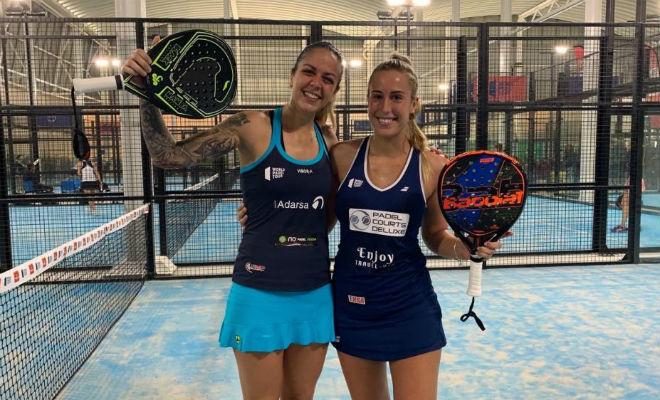 Alba Galán y Victoria Iglesias celebran una victoria esta temporada.