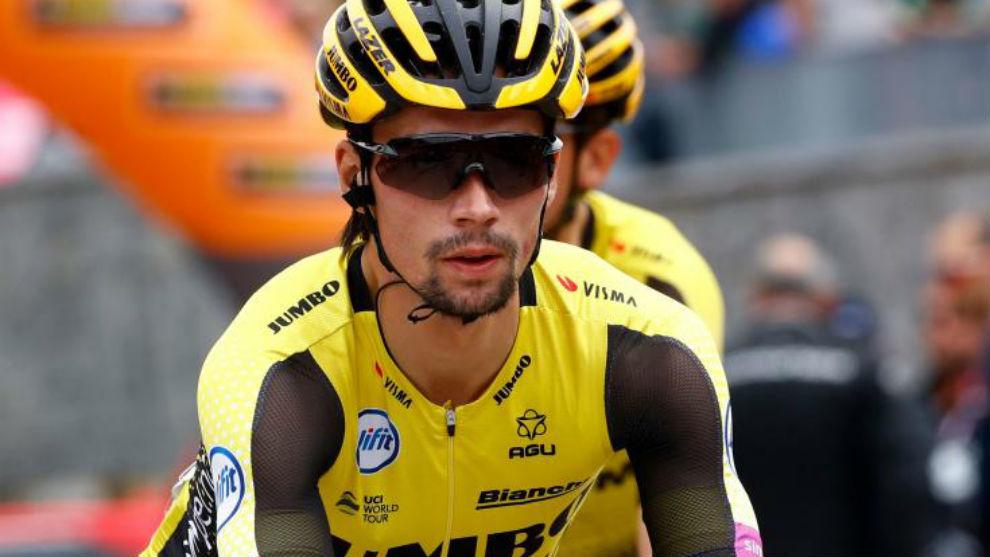 Roglic durante la decimoséptima etapa del Giro.