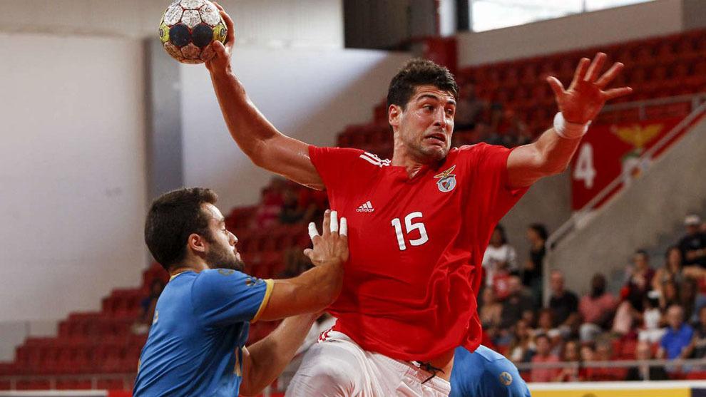 Arthur Patrianova durante un partido con el Benfica /