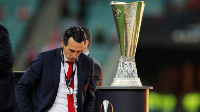 Unai Emery al fin cae en Europa League.