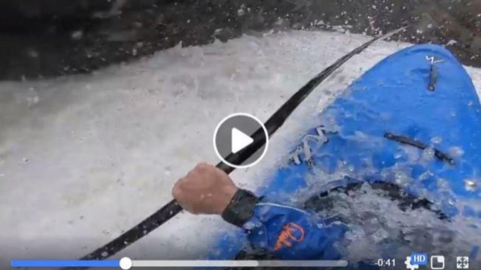 Aleix Salvat en pleno descenso por las aguas bravas del Palomeras en...