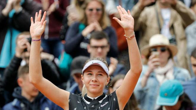 Anisimova celebra la victoria ante Sabalenka.