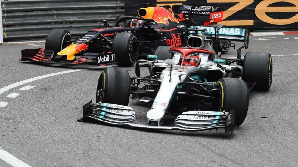 Hamilton y verstappen, durante el GP de Mónaco.