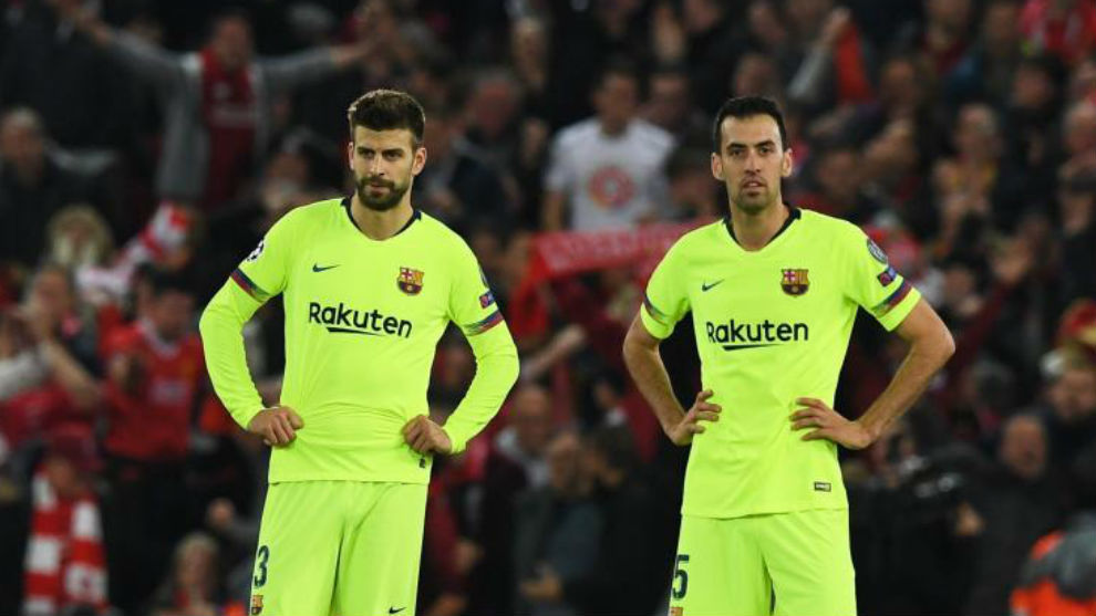 Gerard Piqué and Sergio Busquets during the debacle at Anfield.