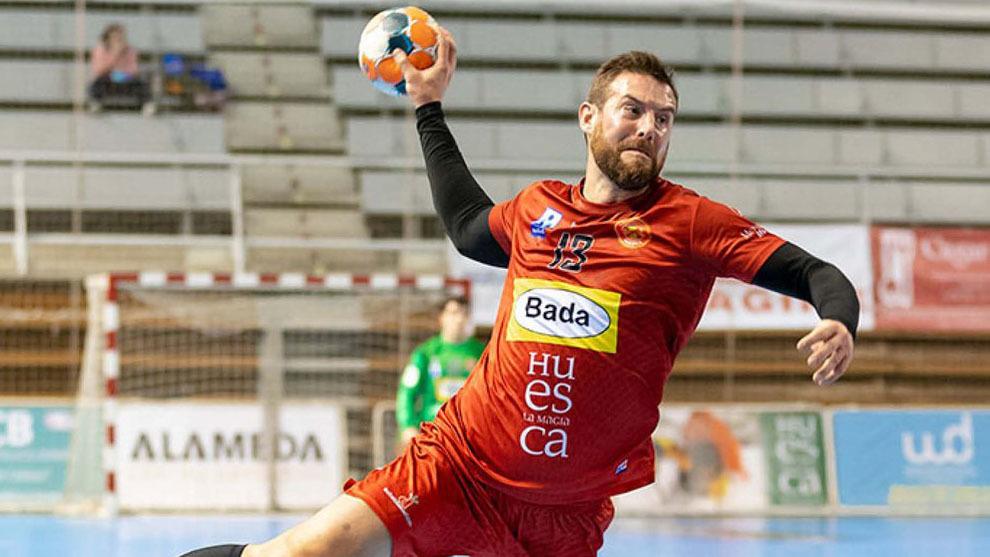 El central portugués Filipe Mota durante un partido del Huesca /