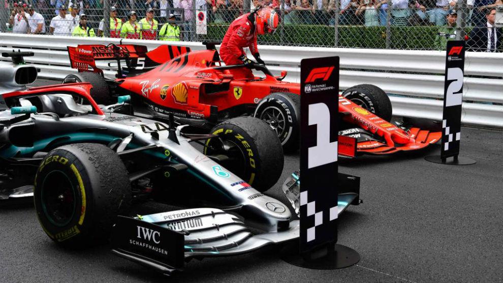 Vettel se baja del SF90, tras ser segundo en Mónaco.