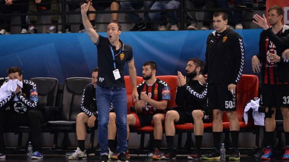 Roberto Garcí Parrondo dando instrucciones.