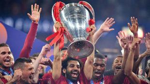 Salah levanta la Champions en el Wanda Metropolitano.