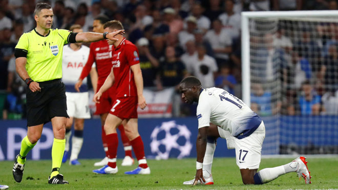 El árbitro no vio la necesidad de amonestar a los jugadores