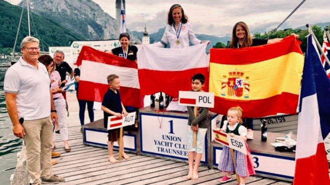 Violeta del Reino, en tercer cajón del podio europeo de la clase...