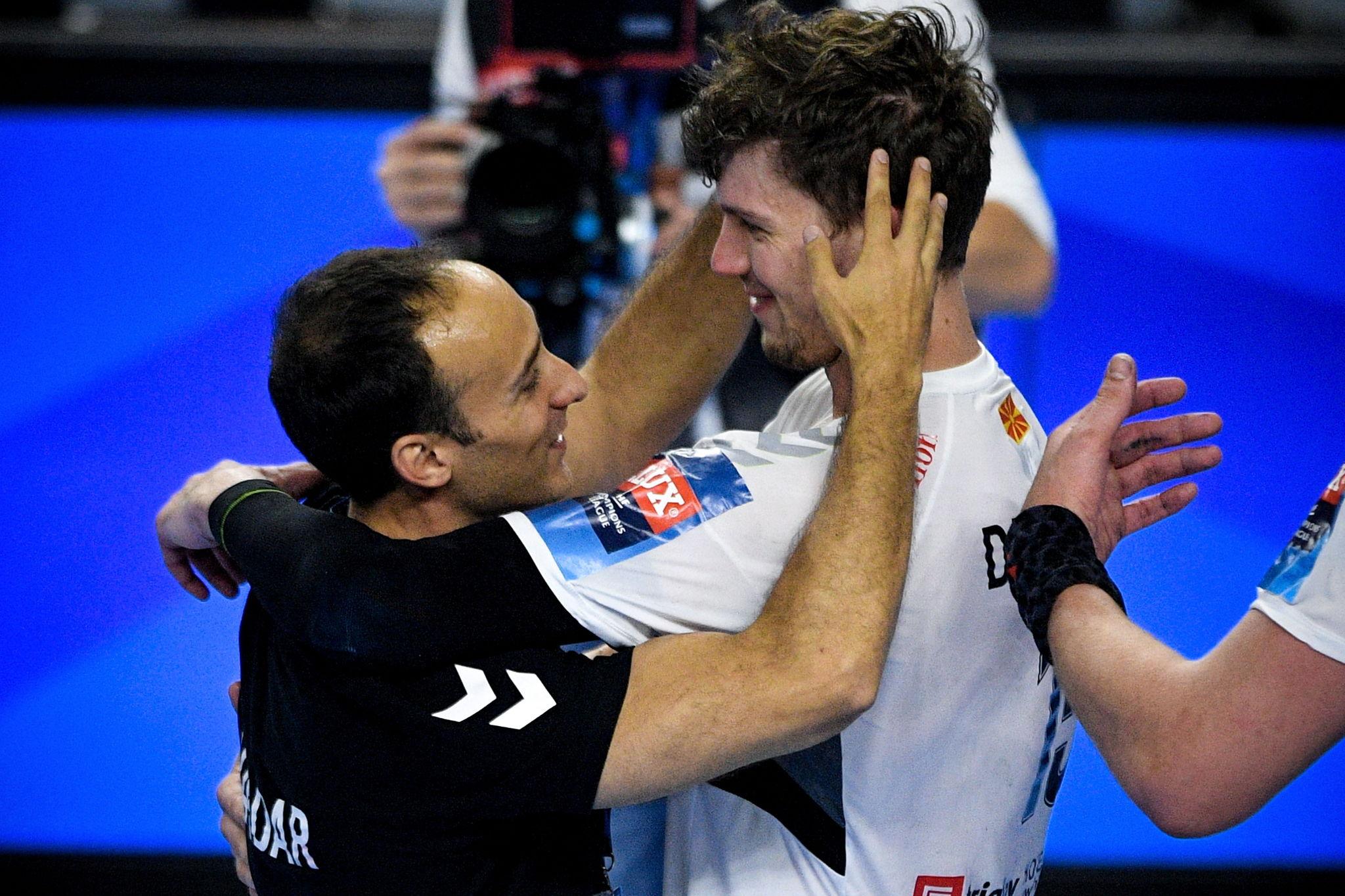 Roberto García Parrondo se felicita con el alemán Dissinger