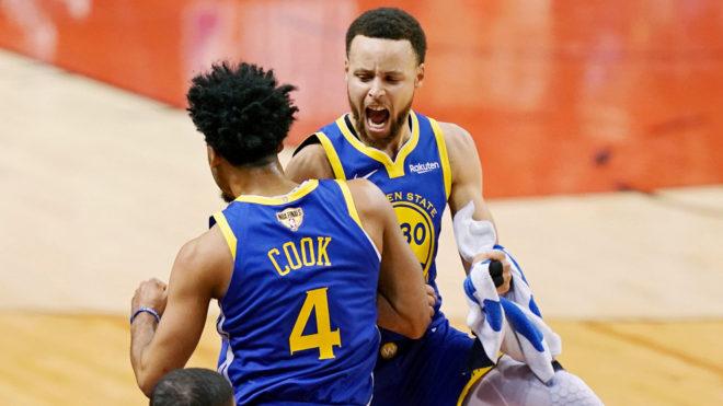 Steph Curry guió el primer triunfo de los Warriors