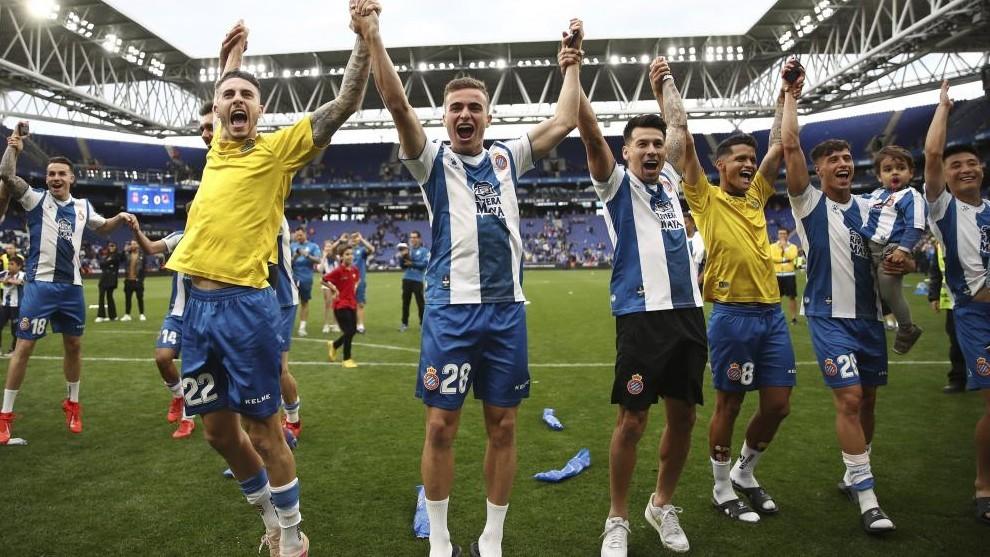 Los jugadores del Espanyol celebran la clasificación para Europa.