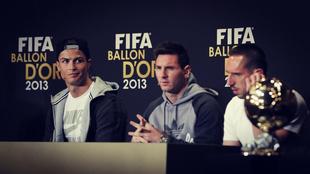 Cristiano Ronaldo, Leo Messi y Franck Ribéry, durante la rueda de...