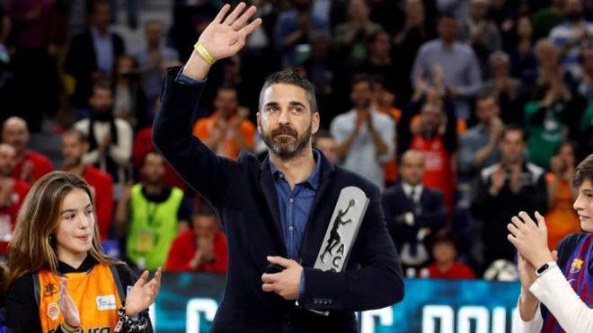 Juan Carlos Navarro recibe un homenaje durante la Copa del Rey de...