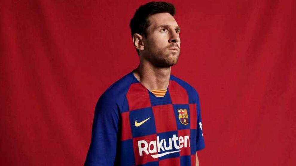 Lionel Messi modelling the kit for the 2019/20 campaign.