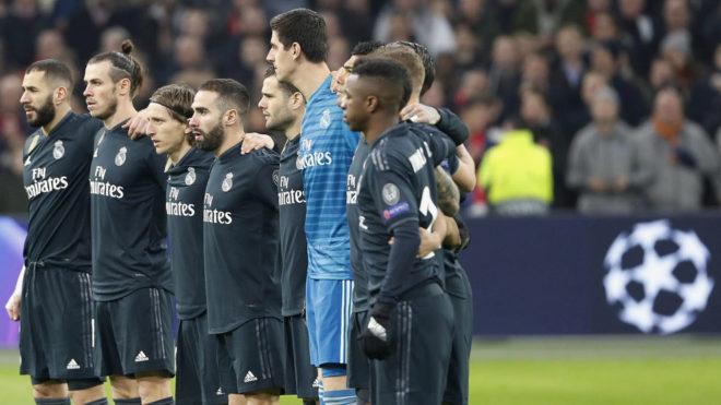 Los jugadores del Real Madrid, antes de un partido de esta Champions.