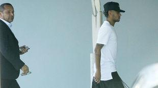 Neymar jr, seguido de su padre