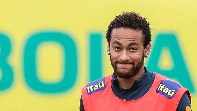 Neymar, en un entrenamiento con la selección brasileña