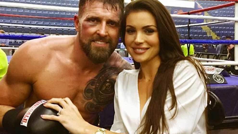El boxeador Carl Froch, ex campeón mundial de boxeo, se casó en...