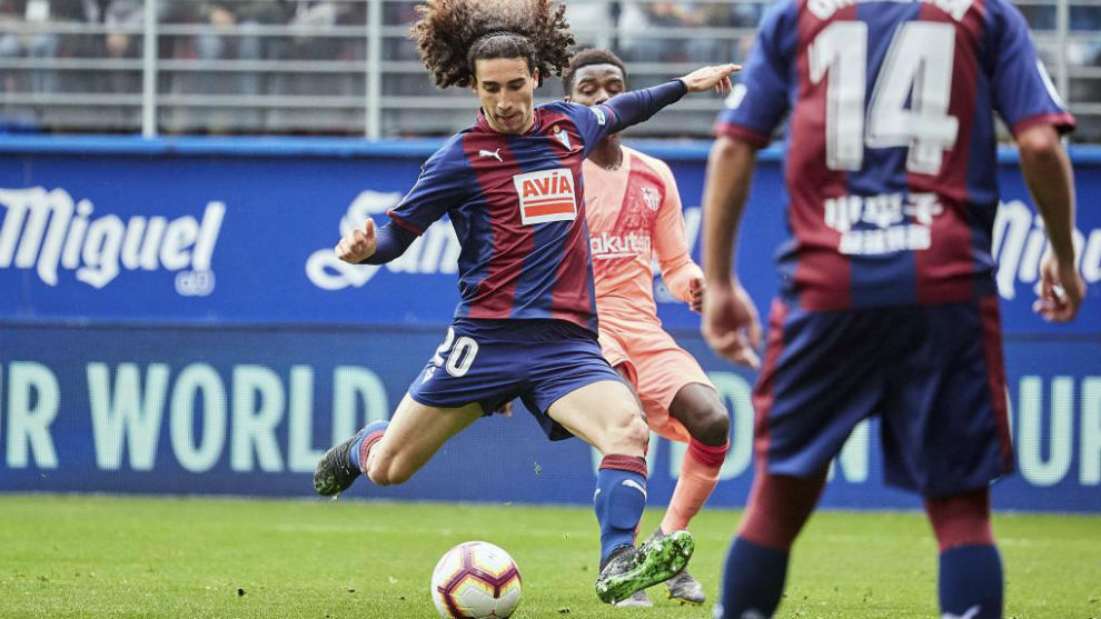 Marc Cucurella during a match in the 2018/19 campaign.