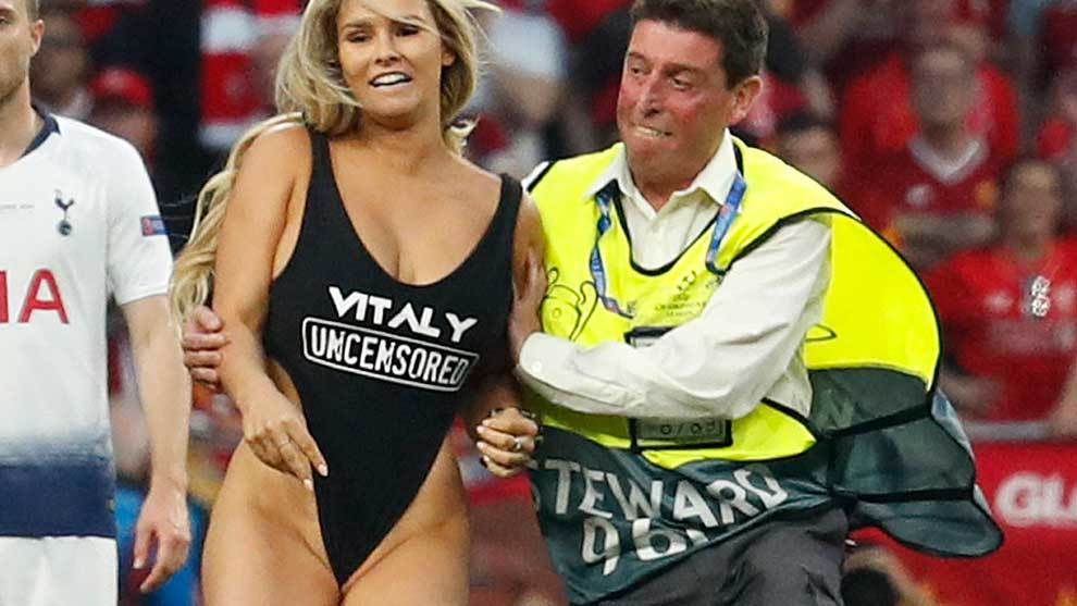 Champions League: Porn site advertised by Kinsey Wolanski during