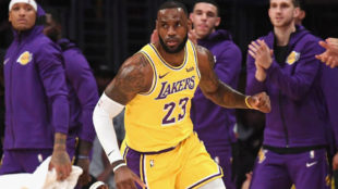 LeBron James podría pedir el traspaso a los Lakers