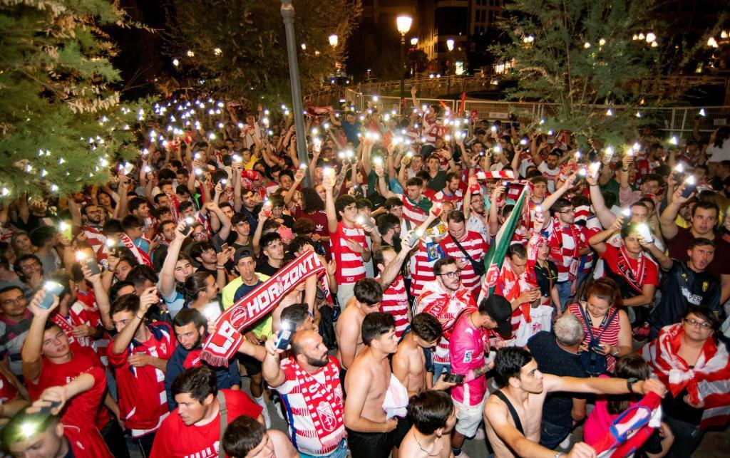 Novedad aislamiento agudo  Granada: La fiesta del ascenso del Granada, paso a paso   Marca.com