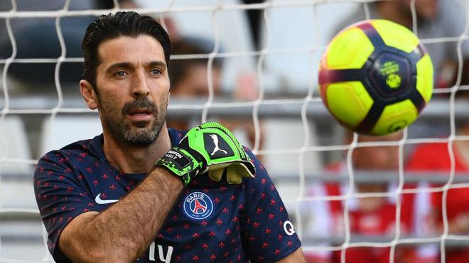 Buffon, con el PSG.