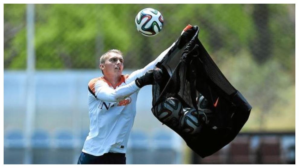 Cillessen, durante un entrenamiento con Holanda.